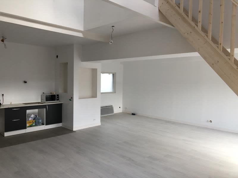 Sale house / villa Levignen 320000€ - Picture 1