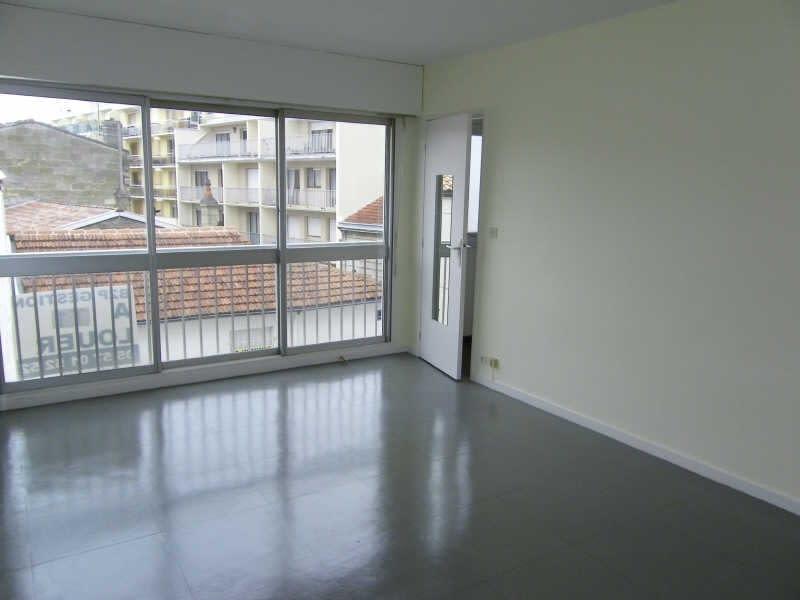 Location appartement Bordeaux 467,13€ CC - Photo 1
