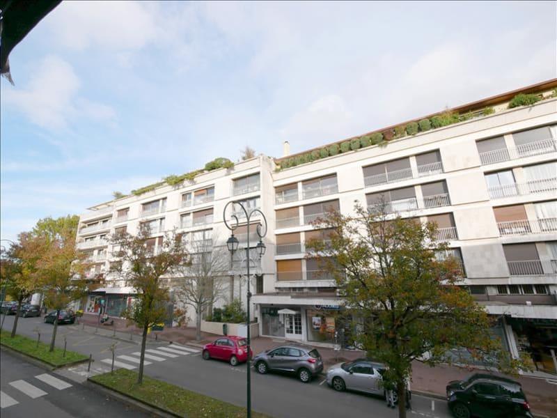 Rental apartment Garches 2209€ CC - Picture 1