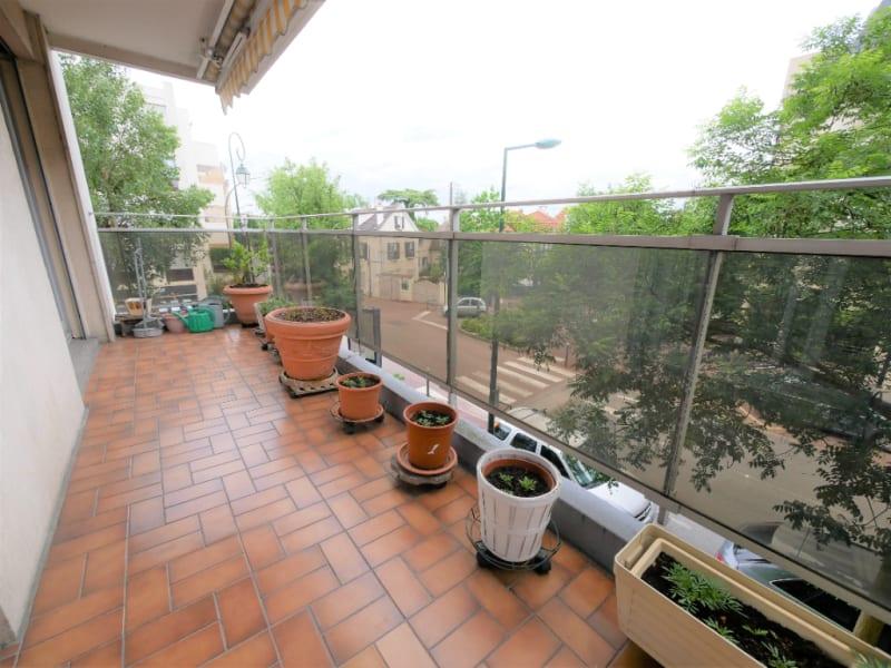 Rental apartment Garches 1180€ CC - Picture 1