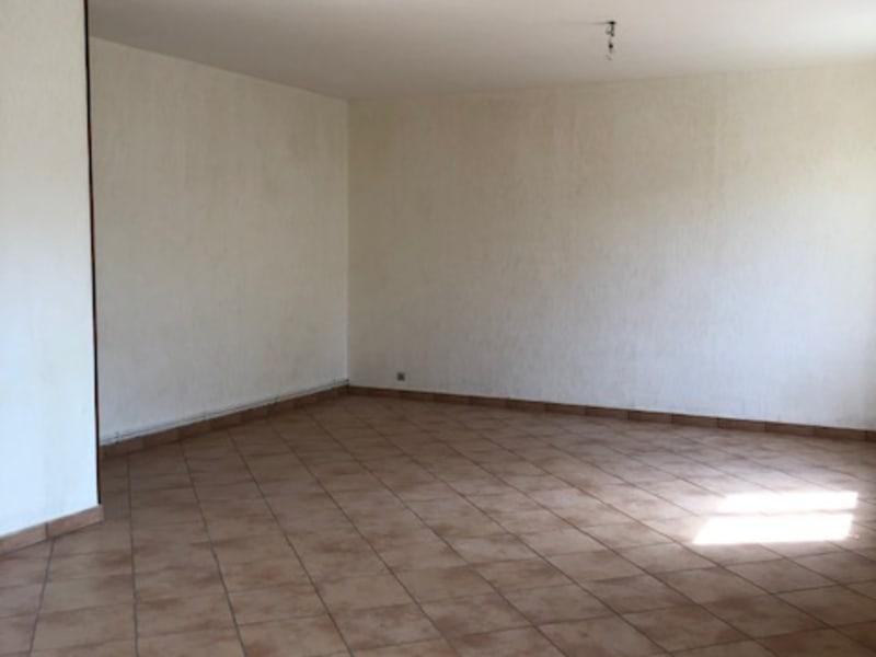 Rental house / villa Saint quentin 801€ CC - Picture 3