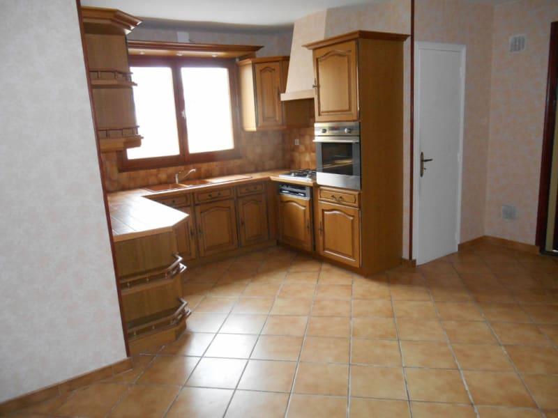Rental house / villa Saint quentin 801€ CC - Picture 4