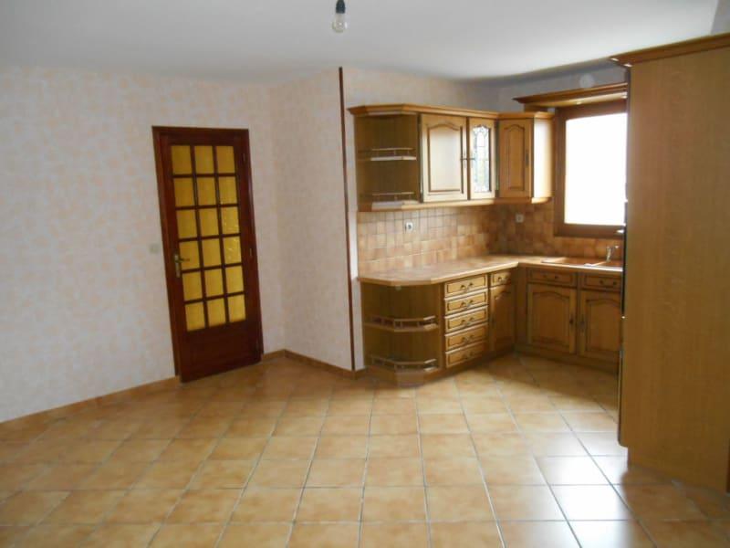 Rental house / villa Saint quentin 801€ CC - Picture 5