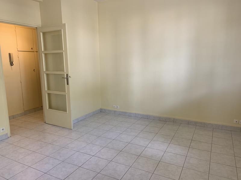 Rental apartment La garenne colombes 795€ CC - Picture 2