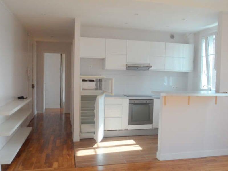 Rental apartment Courbevoie 1180€ CC - Picture 2