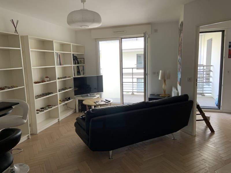 Rental apartment Courbevoie 1195€ CC - Picture 2