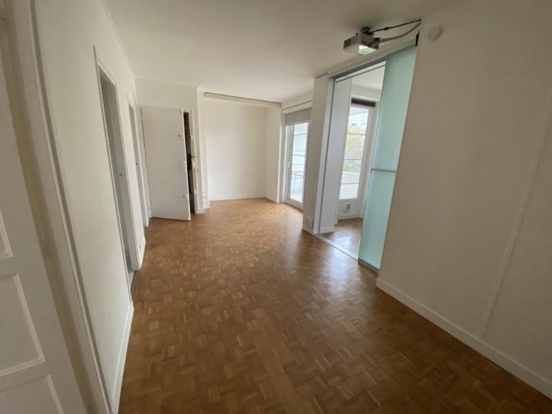 Rental apartment Courbevoie 1290€ CC - Picture 1