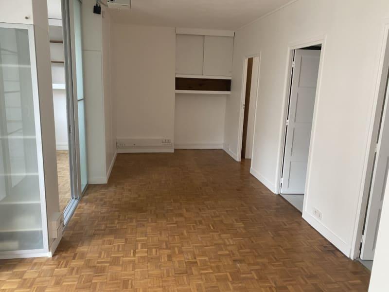 Rental apartment Courbevoie 1290€ CC - Picture 2