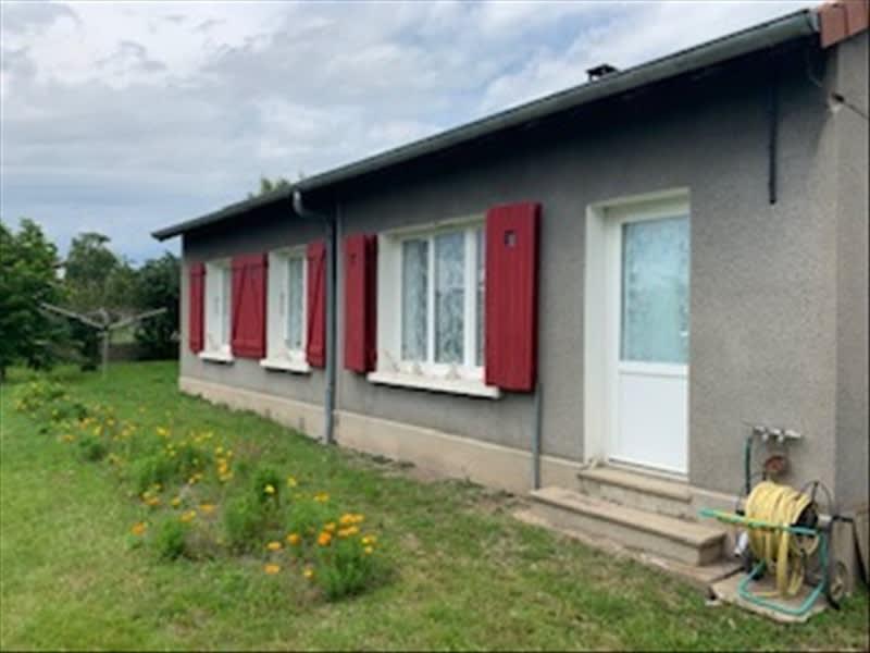 Sale house / villa Riorges 157500€ - Picture 2