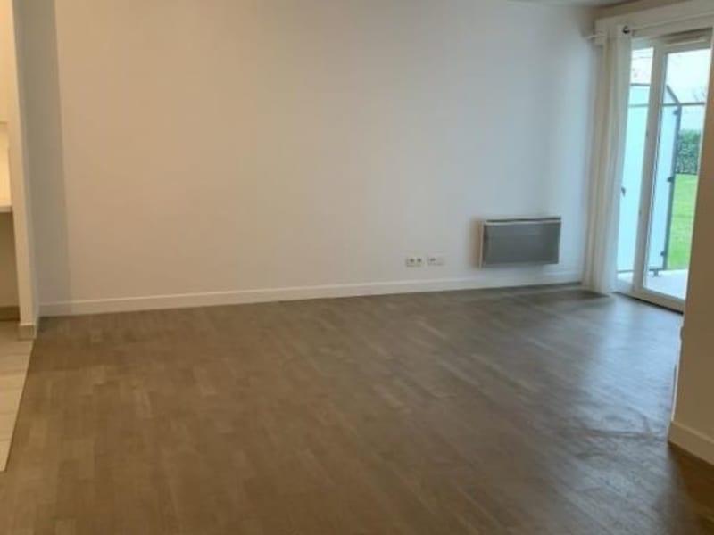 Rental apartment Nogent sur marne 1080,81€ CC - Picture 2