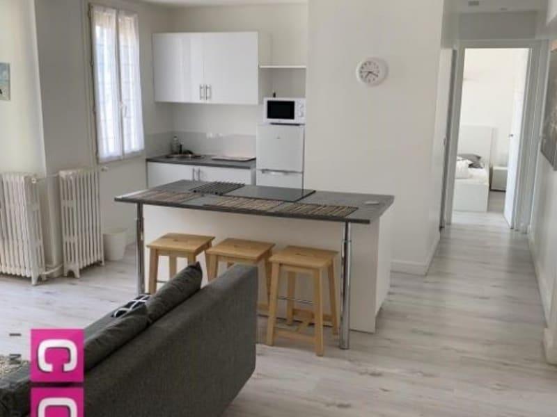 Location appartement Courbevoie 1240€ CC - Photo 1