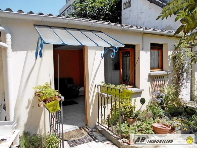 Rental apartment Poissy 568€ CC - Picture 1