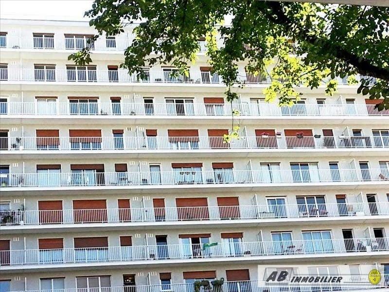 Rental apartment Paris 15ème 1350€ CC - Picture 1