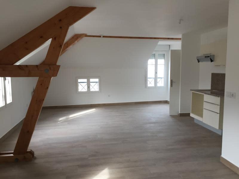 Location appartement Buc 1094€ CC - Photo 1