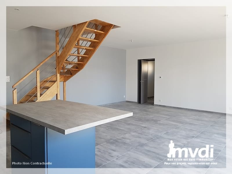 Location maison / villa Mesanger 1100€ CC - Photo 2