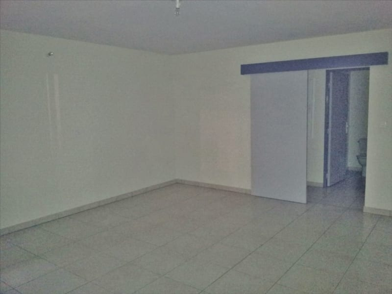 Verhuren  appartement Possession 656€ CC - Foto 4