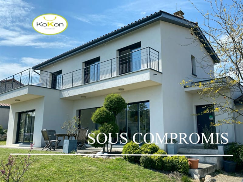 Deluxe sale house / villa Charly 1030000€ - Picture 1