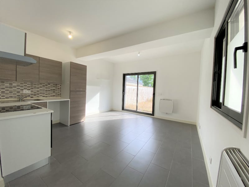 Rental apartment Pierrelaye 577€ CC - Picture 3