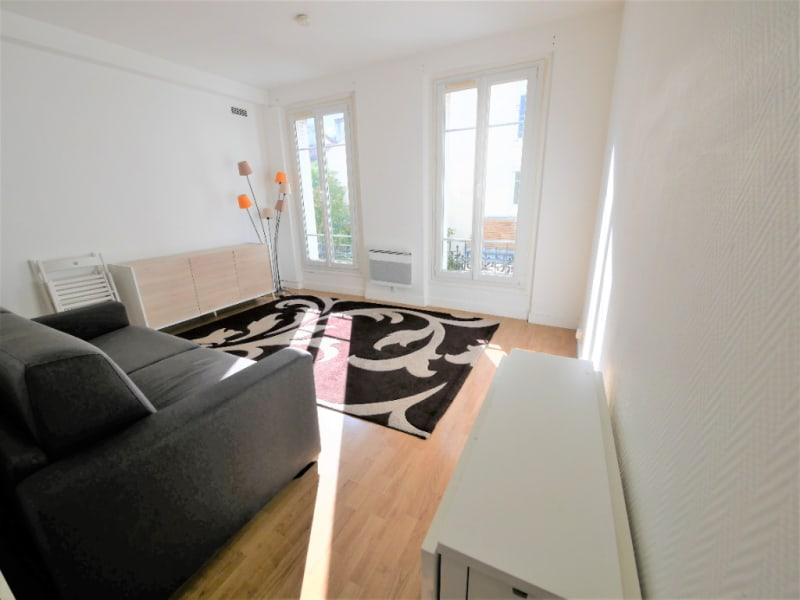 Rental apartment Garches 720€ CC - Picture 1