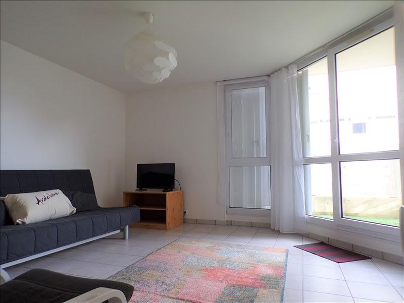Rental apartment Montigny le bretonneux 750€ CC - Picture 1