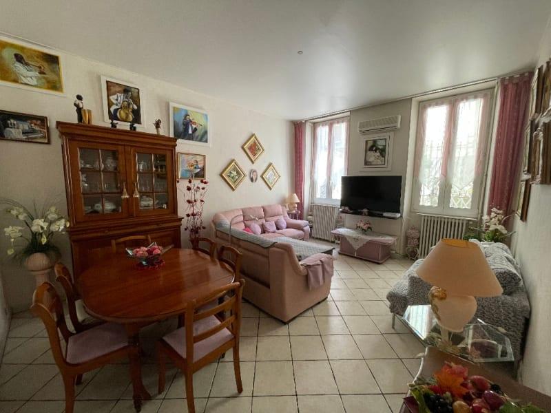 Sale apartment Marseille 3ème 241000€ - Picture 2