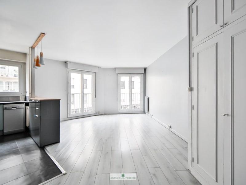 Sale apartment Paris 17ème 725000€ - Picture 1