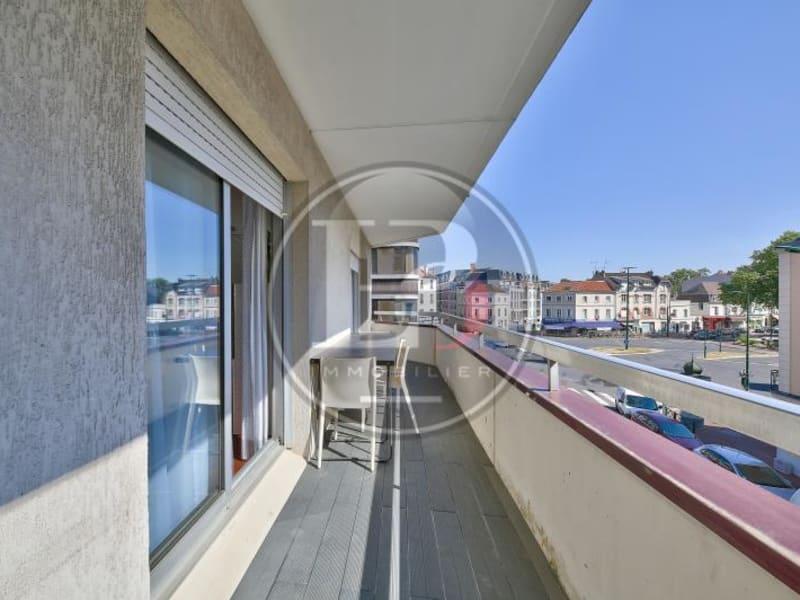 Rental apartment Le vesinet 2675€ CC - Picture 2