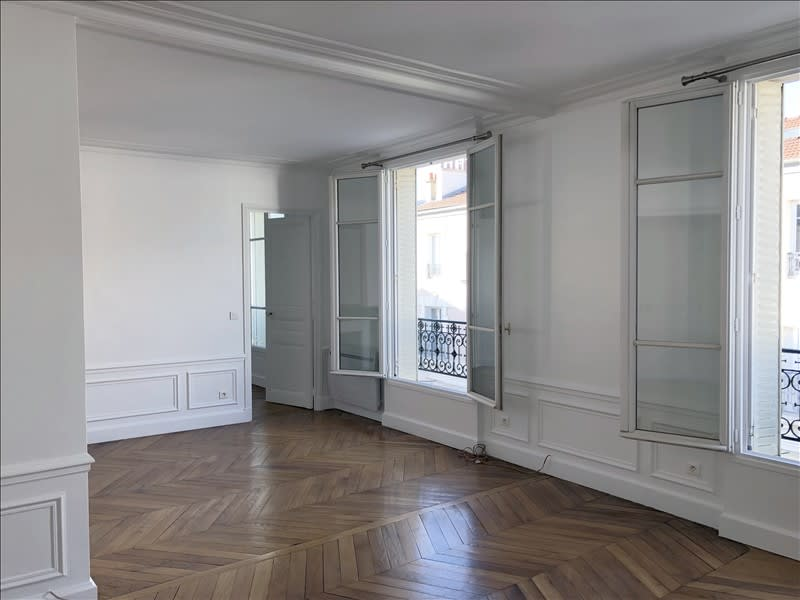 Rental apartment Courbevoie 1840€ CC - Picture 1