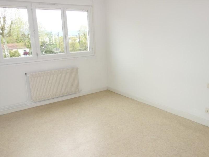 Rental apartment Le coteau 480€ CC - Picture 1