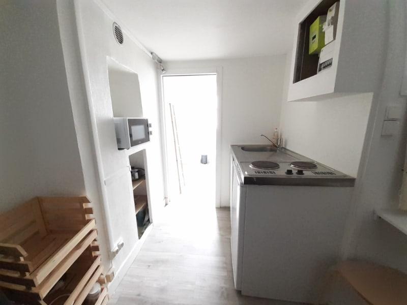 Sale apartment Paris 18ème 140000€ - Picture 2