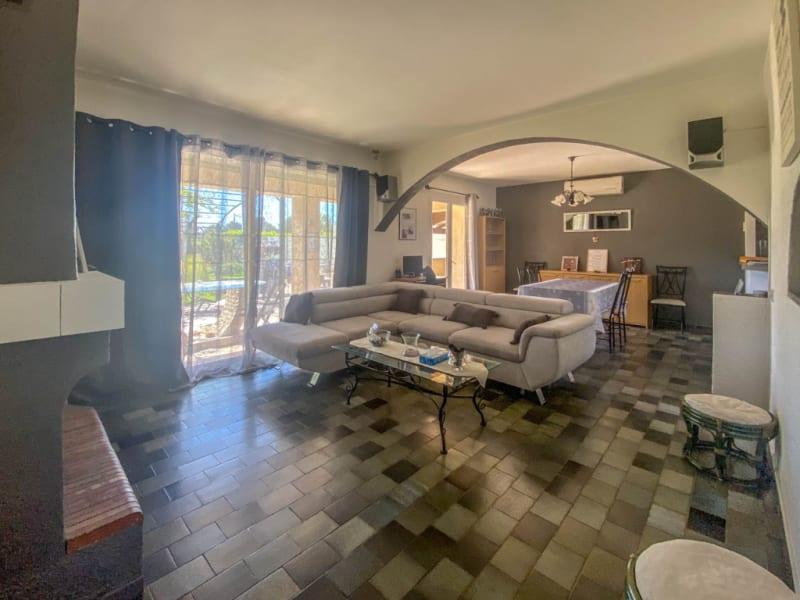 Sale house / villa Cheval blanc 375000€ - Picture 4
