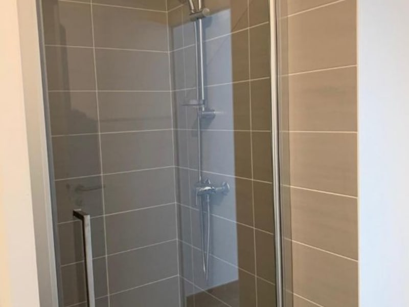 Location appartement Villeurbanne 558,02€ CC - Photo 5