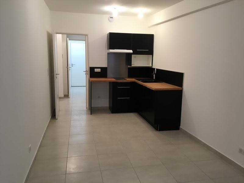 Rental apartment Toulon 344€ CC - Picture 1