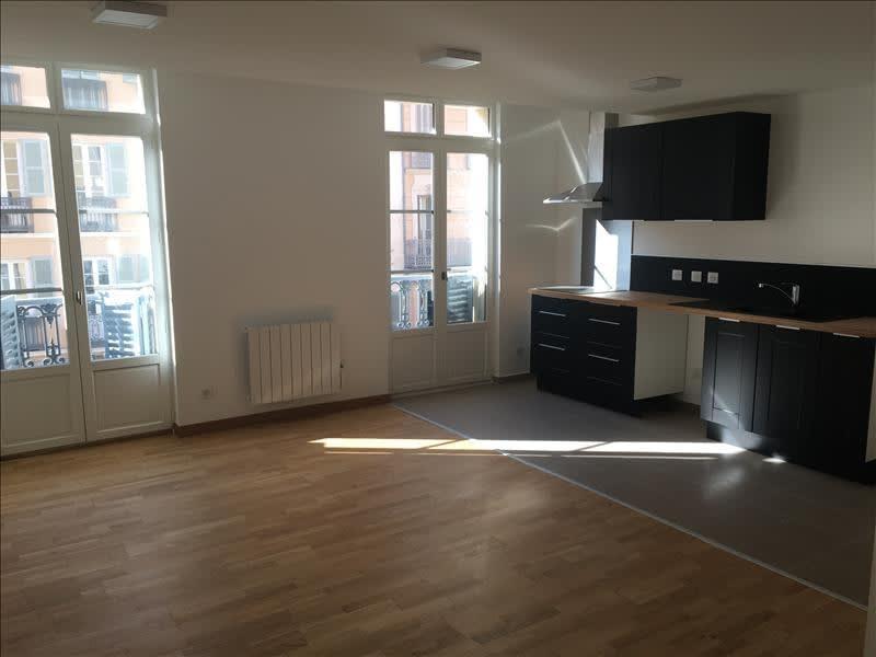 Rental apartment Toulon 596,41€ CC - Picture 1