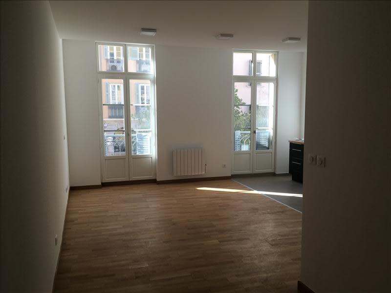 Rental apartment Toulon 596,41€ CC - Picture 3