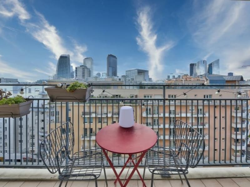 Sale apartment Courbevoie 555000€ - Picture 1