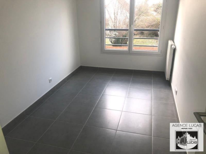 Rental apartment Cesson 920€ CC - Picture 7