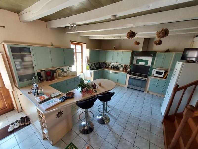Deluxe sale house / villa Guehenno 376200€ - Picture 3