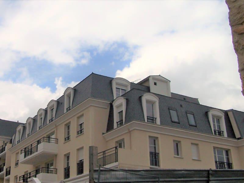 Rental apartment Montlhery 1022€ CC - Picture 1