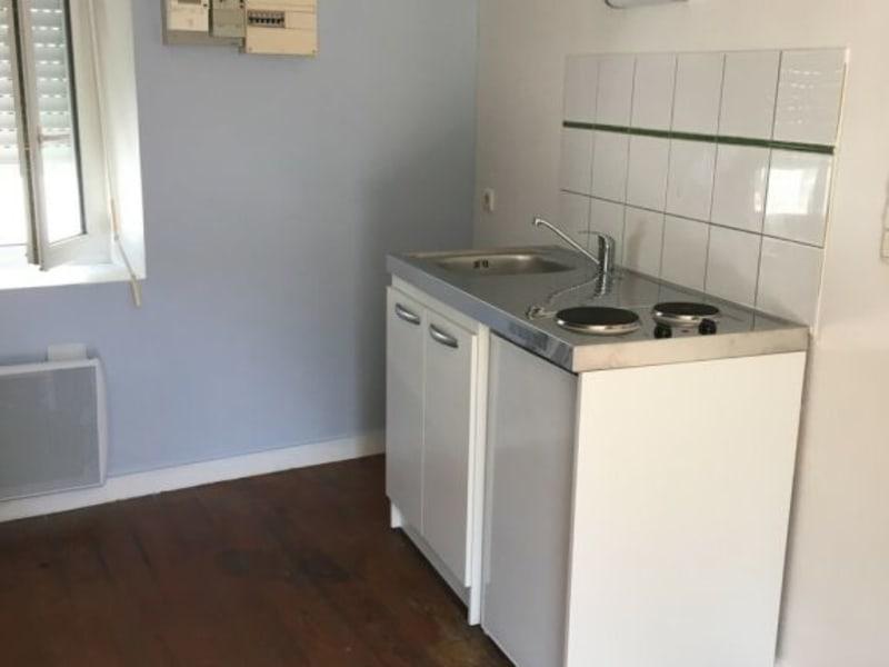 Rental apartment Barbezieux-saint-hilaire 290€ CC - Picture 2