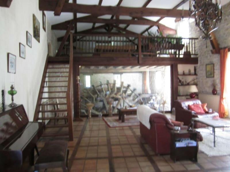 Sale house / villa Barbezieux-saint-hilaire 488000€ - Picture 2