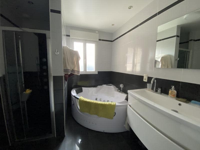 Vente maison / villa Iteuil 328600€ - Photo 8