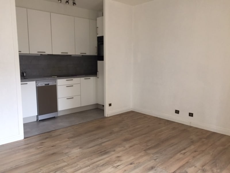 Location appartement Annecy 750€ CC - Photo 2