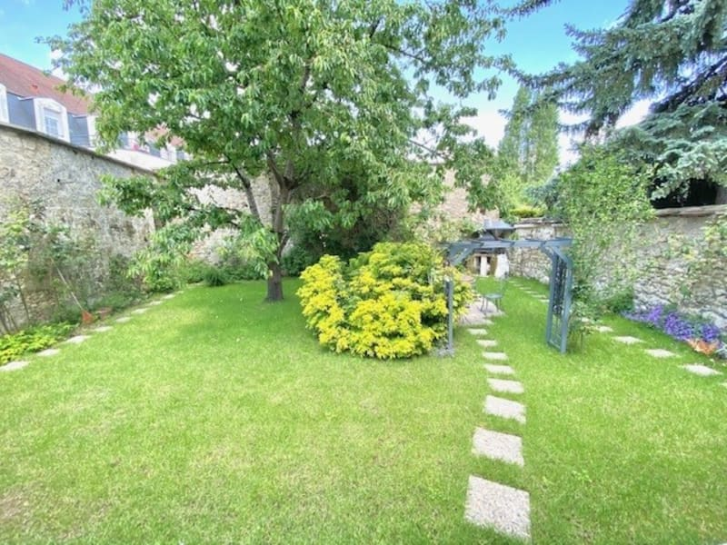 Sale house / villa Chambly 388500€ - Picture 1