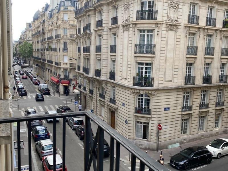 Rental apartment Paris 17ème 2615,42€ CC - Picture 2