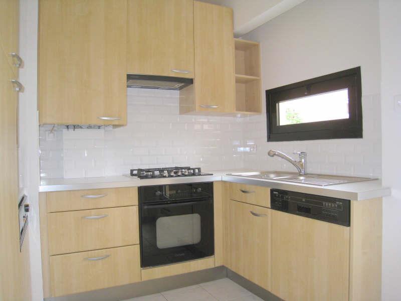 Rental apartment Courbevoie 1606€ CC - Picture 3