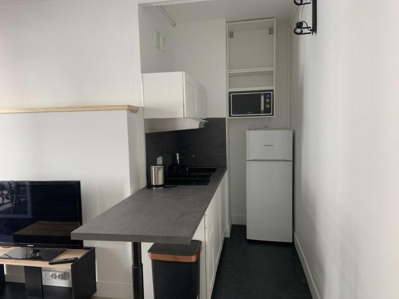 Rental apartment Courbevoie 850€ CC - Picture 3