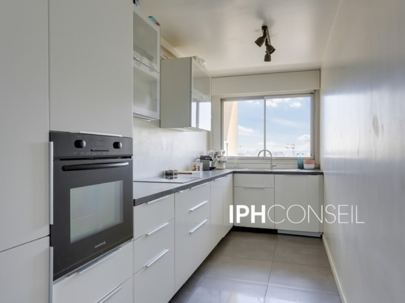 Sale apartment Courbevoie 530000€ - Picture 6