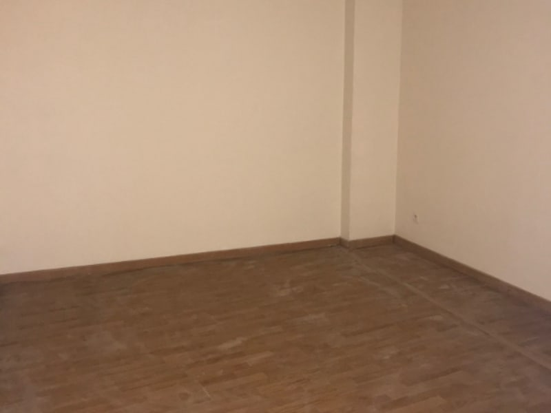 Rental empty room/storage Montereau fault yonne 900€ HC - Picture 6