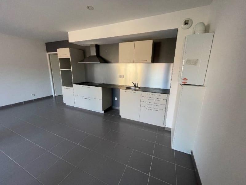 Rental apartment L union 770€ CC - Picture 2